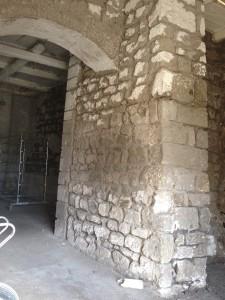Il bastione centrale dentro Bomhouse, base per i 4 piani superiori: la Storia che sostiene la Storia...